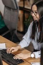Customer Service Bank Mega Selalu Siap Memberikan Pelayanan Terbaik ke Nasabah