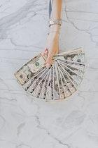 15 Cara Edukasi Uang pada Anak Berdasarkan Usianya