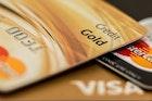 Pengguna Layanan Perbankan, Kenali Mengenai Perbedaan Kartu Kredit VS Kartu Debit