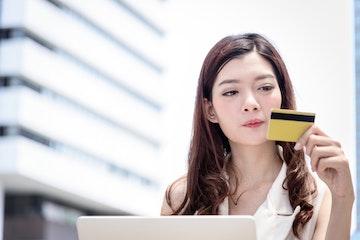 disadvantage using credit card