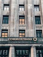 สถาบันการเงินมีบทบาทสำคัญในการช่วยเหลือประชาชนในช่วงโควิด 19