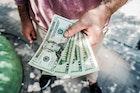 8 นิสัยไม่ดีทางการเงิน ที่เป็นอุปสรรคขัดขวางความร่ำรวยของคุณ