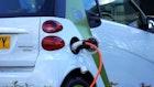 รถยนต์ไฮบริด (Hybrid Car) คืออะไร? และช่วยให้คุณประหยัดเงินได้อย่างไร?