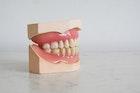 ประกันฟันต่างกันกับประกันสุขภาพอย่างไร?